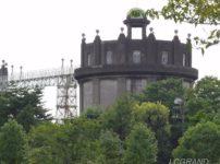 独特の雰囲気の駒沢給水所にある駒沢給水塔